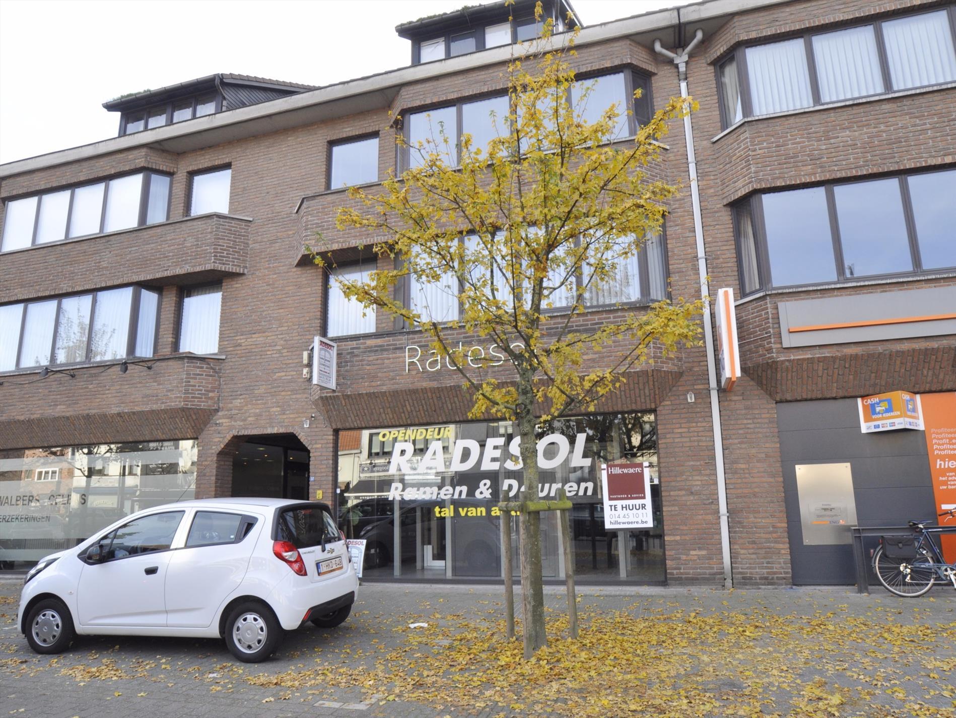 065566ba3a9 Handelsruimte ca. 100m² met appartement te Oud-Turnhout