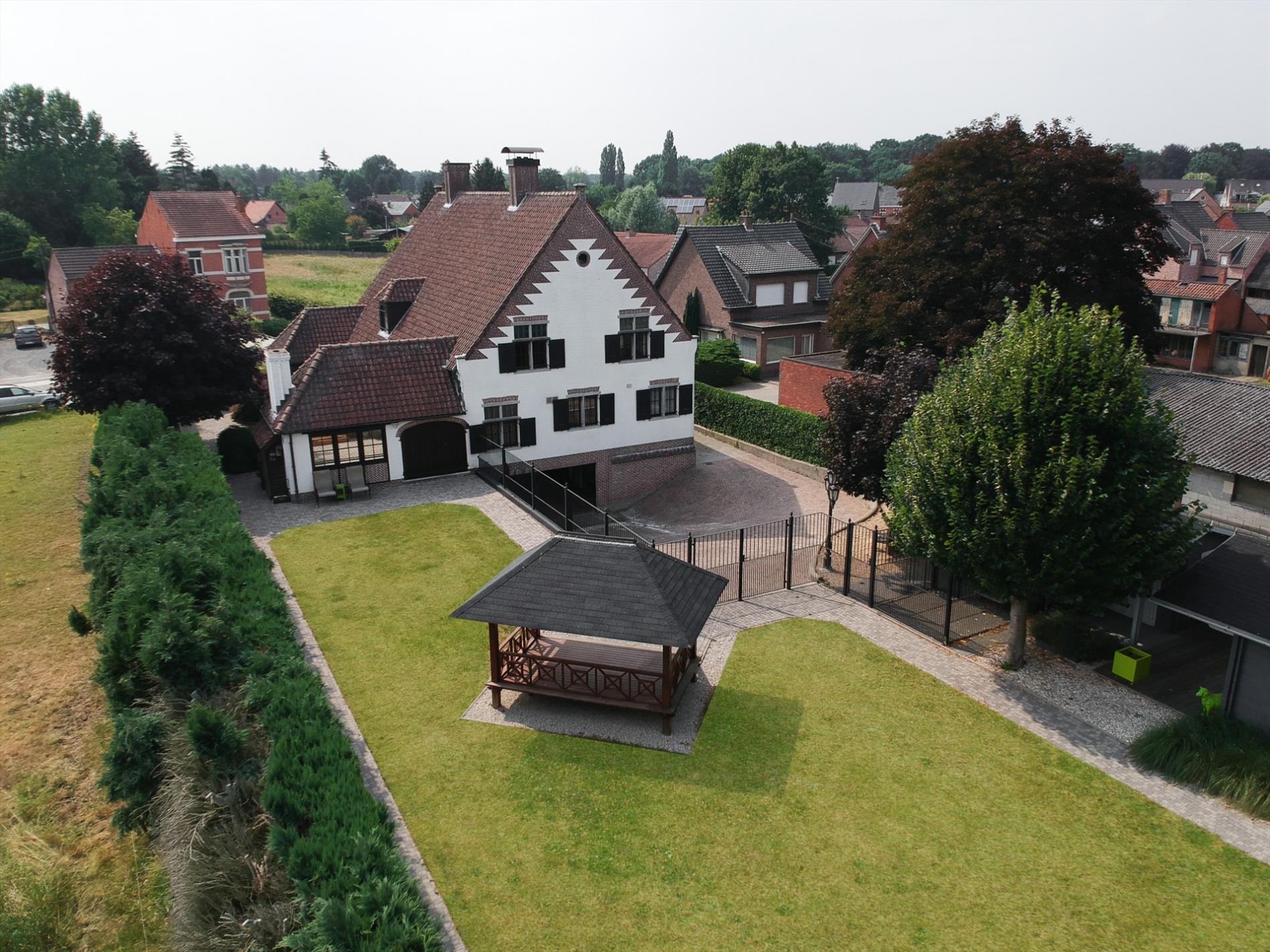 Gerenoveerde villa met een prachtige combinatie tussen modern en