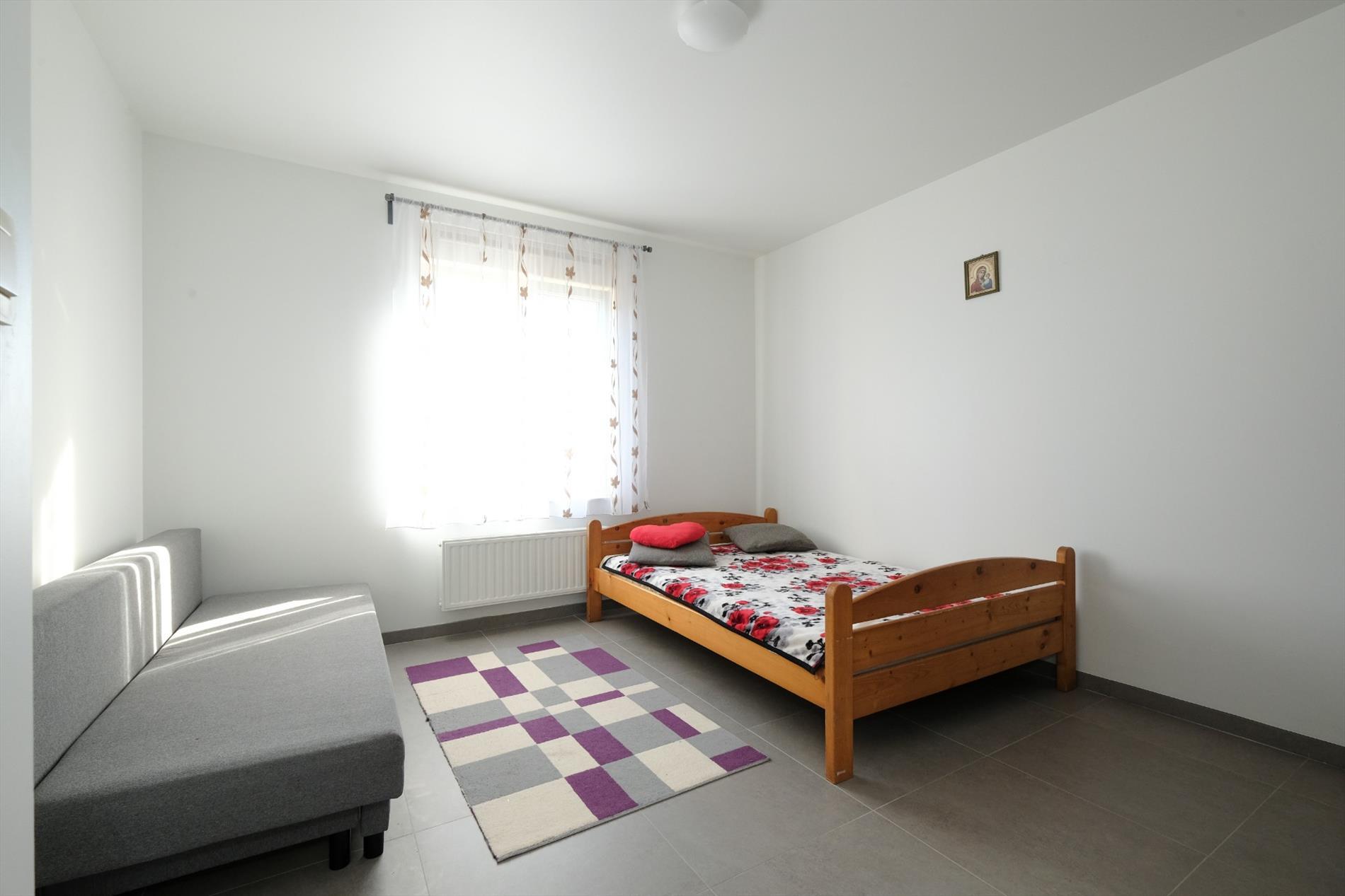 Eigentijdse HOB met 4 slaapkamers en volledig onderkelderd op 385 m²