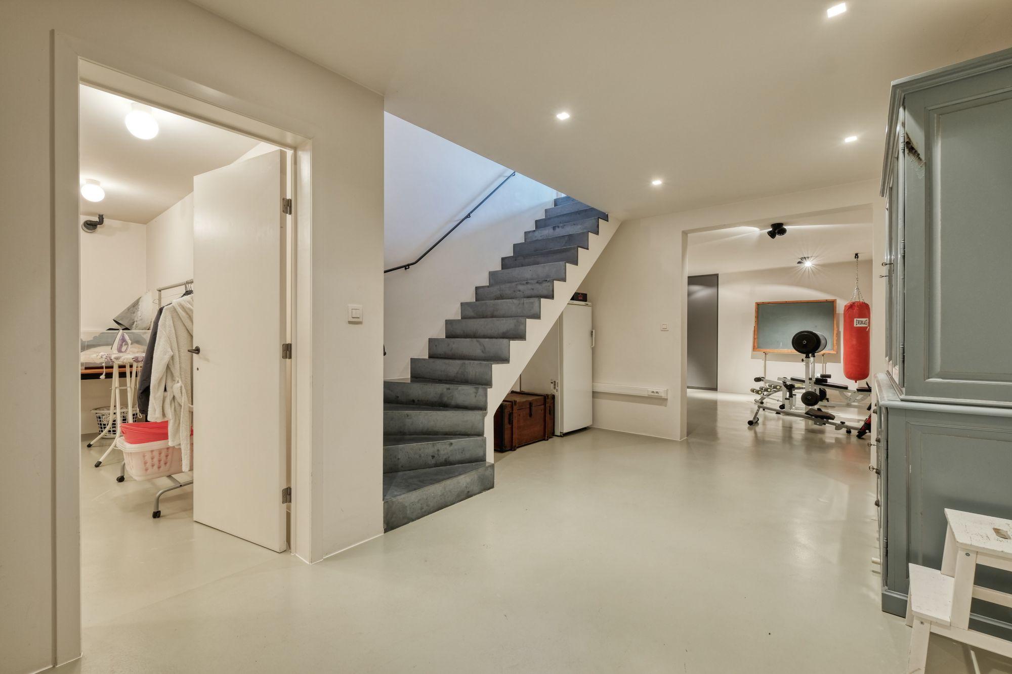 Natuurlijk Afgewerkte Badkamer : Exclusieve en top uitgeruste villa aan natuurlijk ven op m