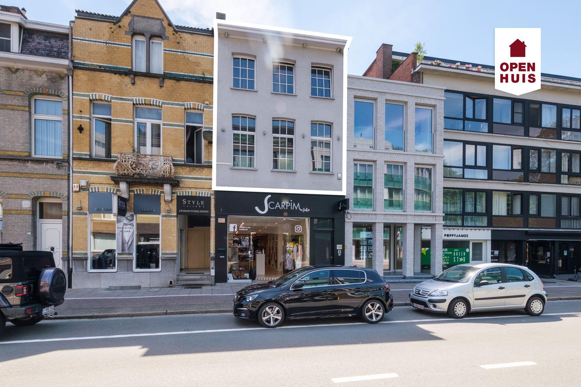 Open Huis op 06/03: Stijlvol duplex appartement met groot terras in het centrum van Brasschaat
